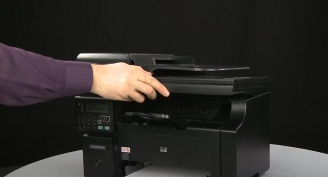 поменять картридж на лазерных принтерах HP 8
